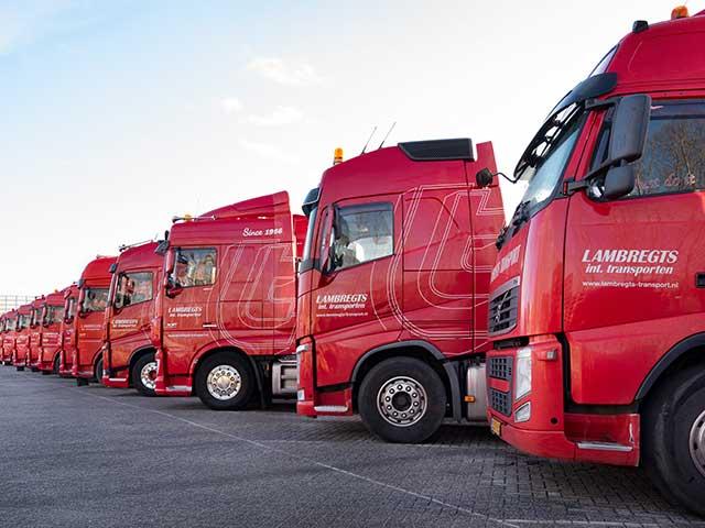 Wagenpark containertransport Lambregts Transport Zevenbergschen Hoek